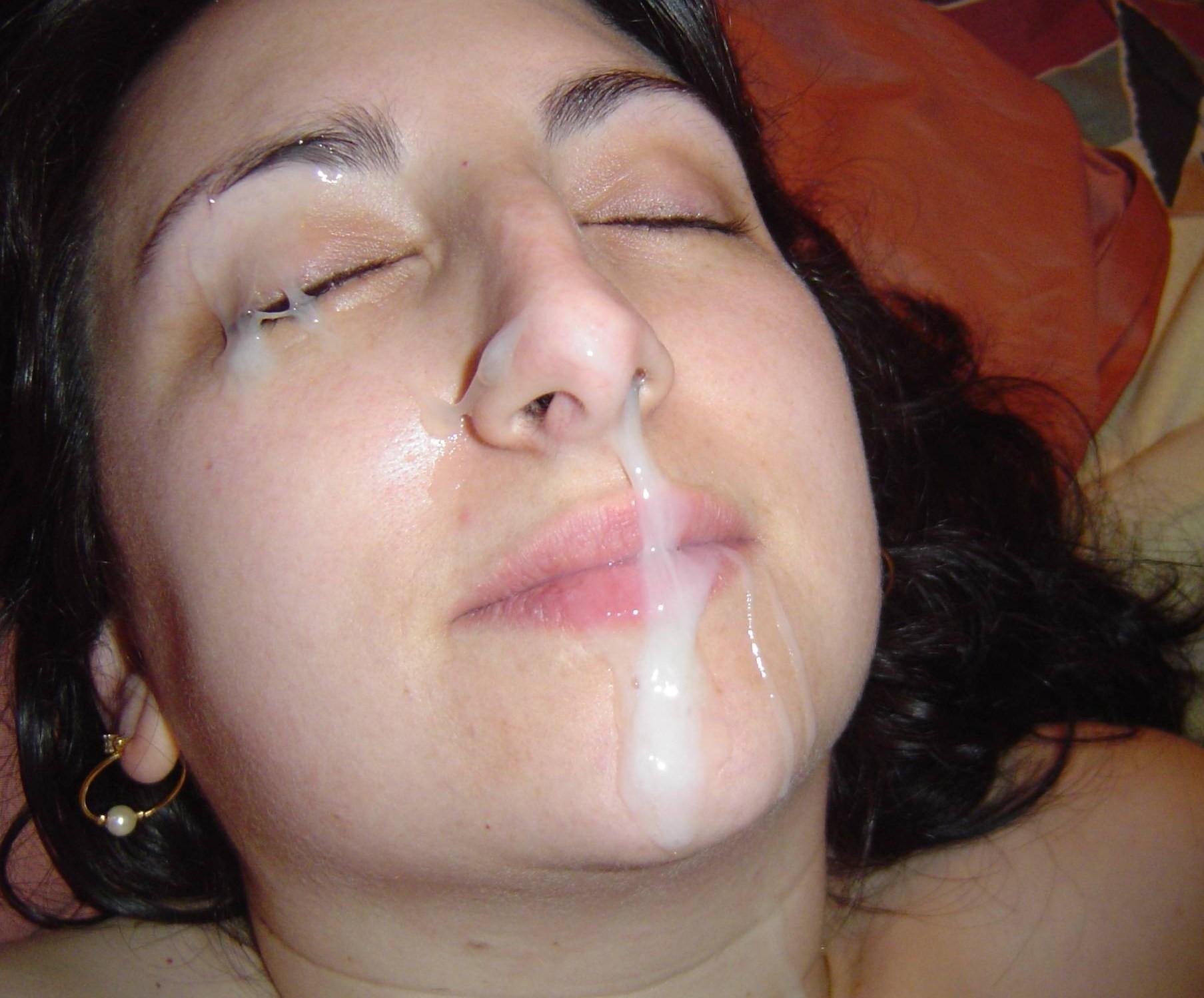 sperma-na-litso-smotret-besplatno