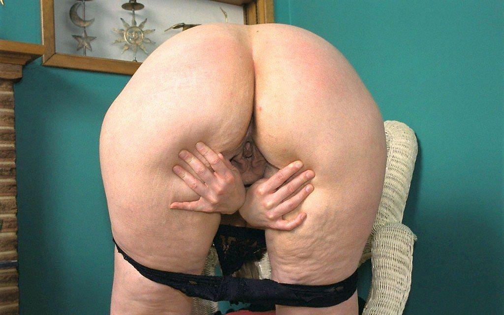 Видео зрелые рабочее очко моей тети порно кастинге слез