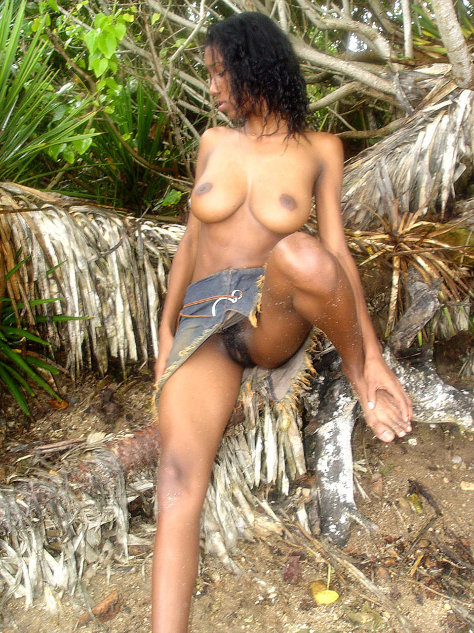 sexy-and-nude-jamaica-women