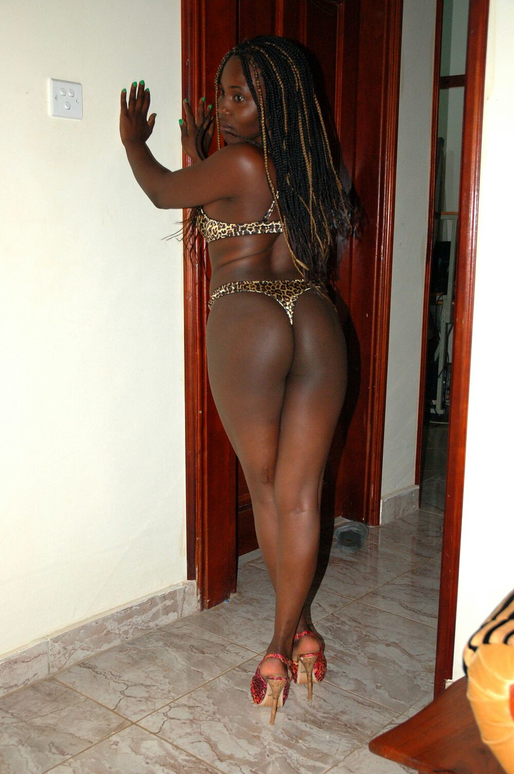 amateur-black-african-ebony-booty-contry